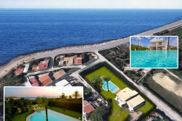 Marsala Villa Fronte Mare - Baia Saracena  10/12 Guests  5 Bedrooms  5 Bathrooms