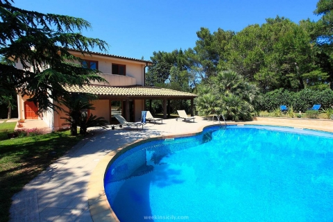 Exclusive Villa in Valderice TP Villa Sara  6/8 Guests  3 Bedrooms  3 Bathrooms